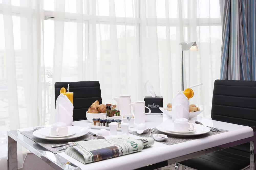 Panoramic Suite - In-Room Dining