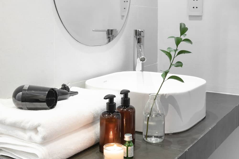 Yhteismajoitus, Vain naisille (Bed in 10-bed) - Kylpyhuone