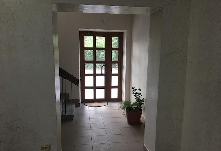 Guest House Karta, Kamenets-Podol'skiy, บริเวณประตูทางเข้า