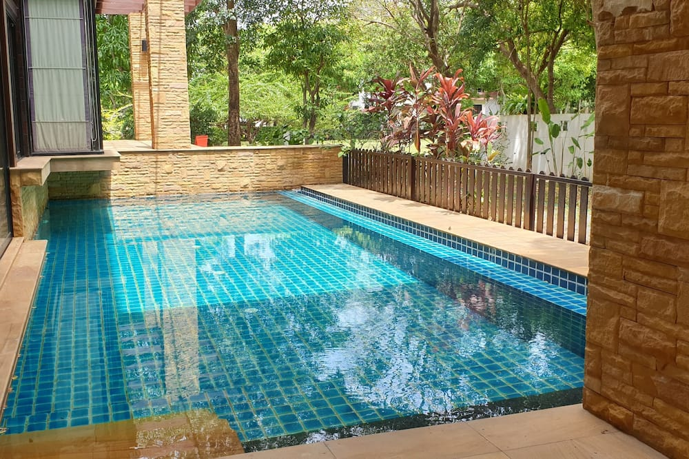 4 Bedroom Grand Pool Villa - Private pool