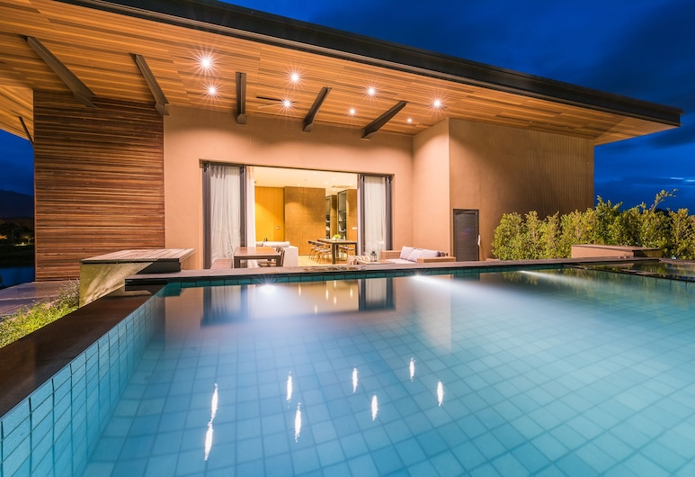 Atta 2-bd Suite OR Pool Penthouse, Pak Chong