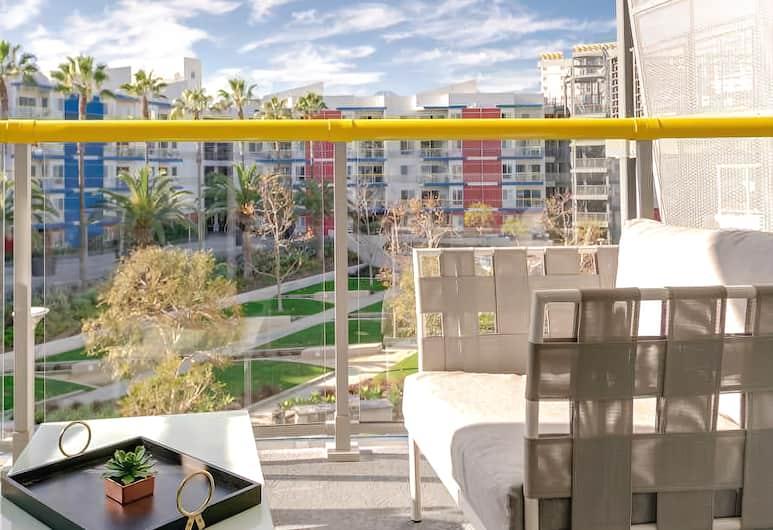 Resort Style Venice Getaway Beach Pool Gym, Marina del Rey, Balcony