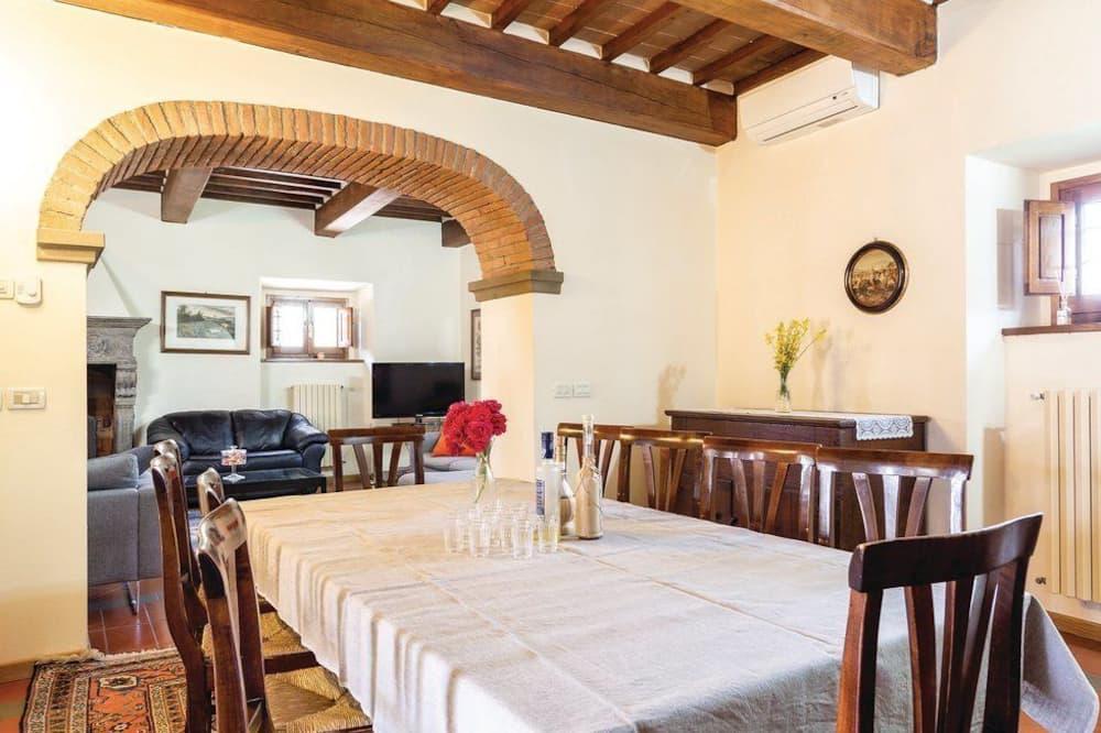 Villa, 5 slaapkamers, terras, uitzicht op heuvels - Eetruimte in kamer