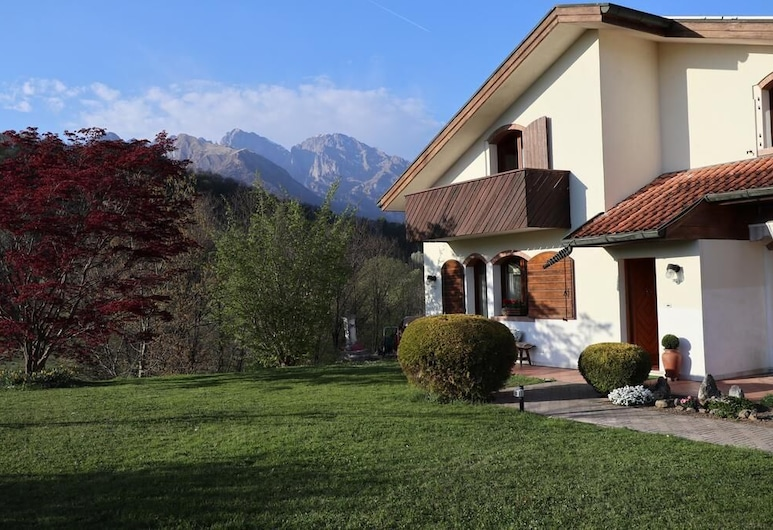 Bed & Breakfast La Pecora Nera, Belluno, Hotel Front