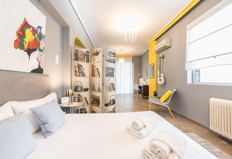 Stylish Apartment with Balcony  by Cloudkeys, Atenas, Apartamento Familiar, 2 Quartos, Quarto