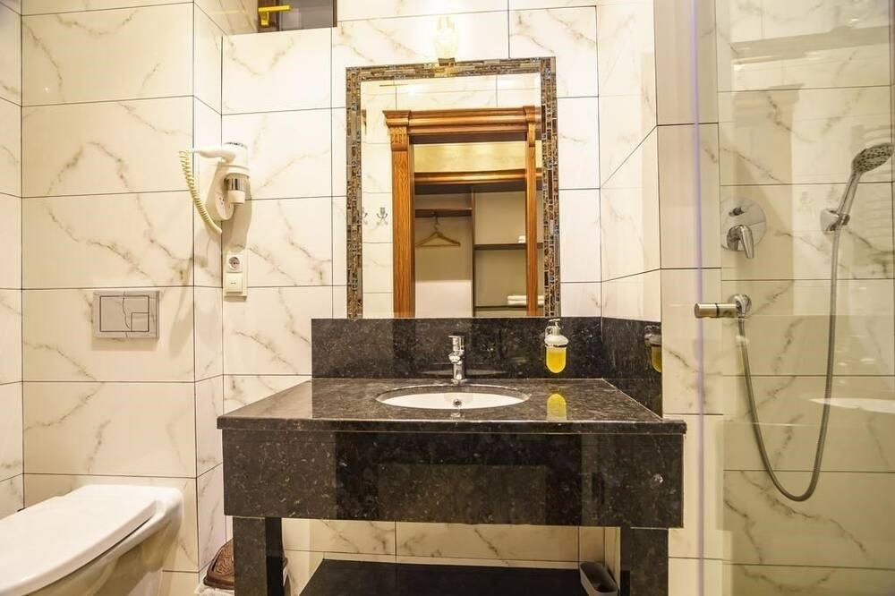 Pokój dla 4 osób luksusowy - Łazienka