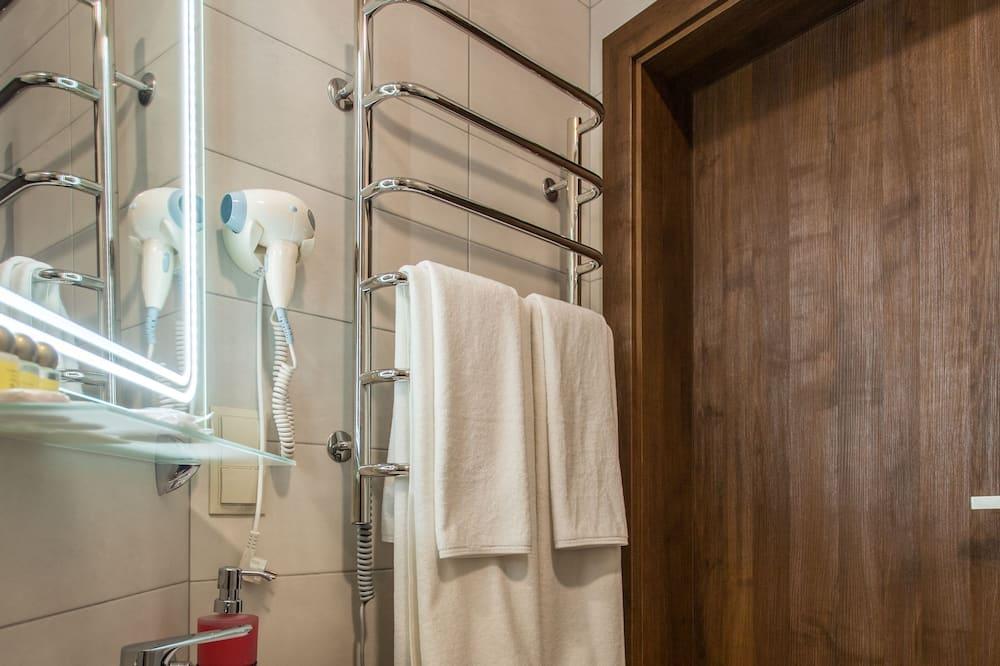 Pokój dwuosobowy z 1 lub 2 łóżkami typu Superior - Prysznic