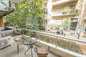 Φωτογραφία του Κομψή κατοικία σε ήσυχο δρόμο από την Cloudkeys, Αθήνα