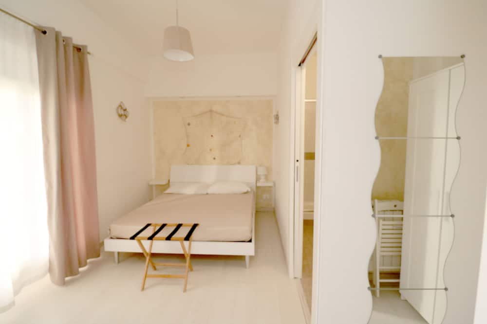 Double or Twin Room, Ensuite, Garden View (Sabbia) - Guest Room