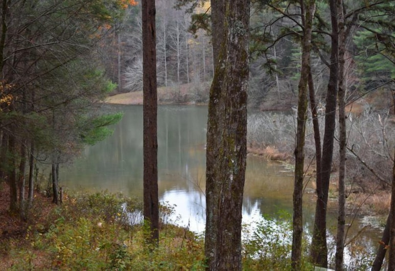 Misty Lake Lodge, Blue Ridge, Lake