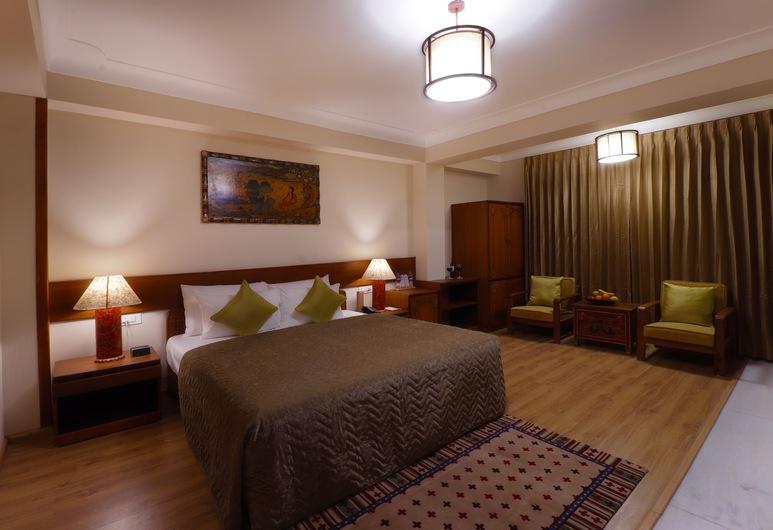 Denzong Shangrila Hotel & Spa, Gangtok, Habitación doble superior, 1 cama King size, vista a la colina, Habitación