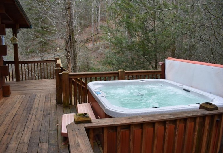 Our Favorite Place, Blue Ridge, Outdoor Spa Tub