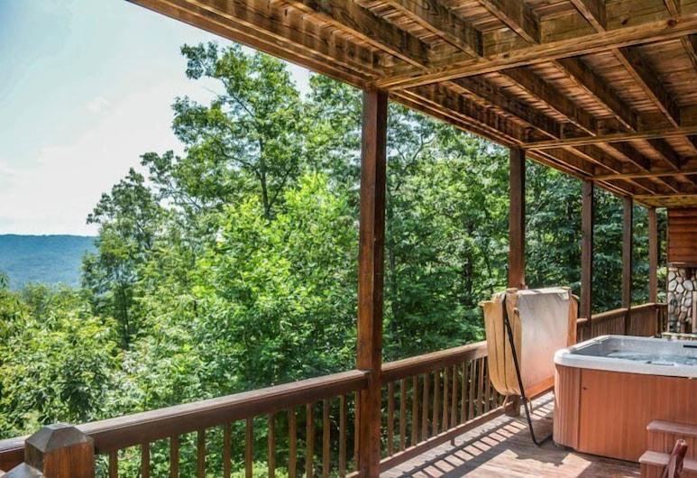 Bear Necessities, Blue Ridge, Außen-Whirlpool