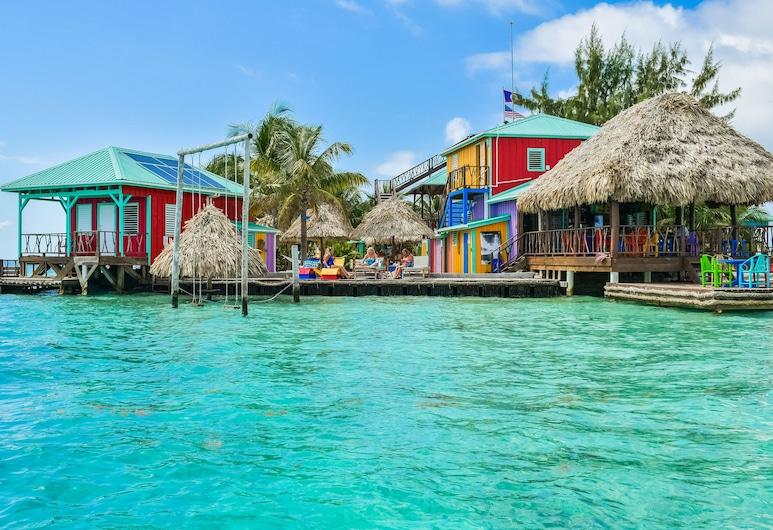 King Lewey's Island Resort, Placencia, Hotel Front