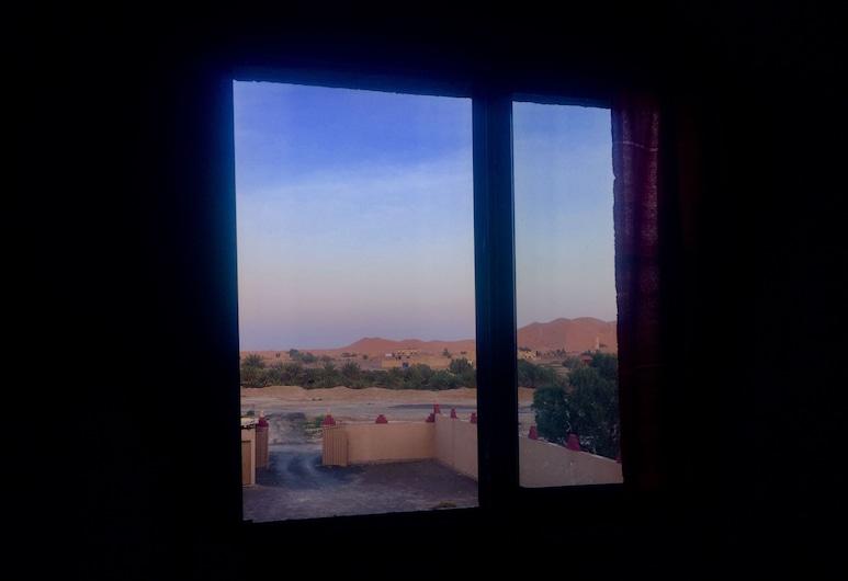 Auberge Trans Sahara, Taouz, Třílůžkový pokoj s panoramatickým výhledem, 3 jednolůžka, soukromá koupelna, výhled na hory, Výhled na poušť
