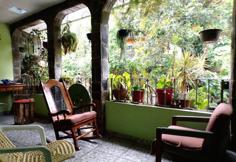 Posada Inkali Xilitla, Xilitla, Zona con asientos del vestíbulo
