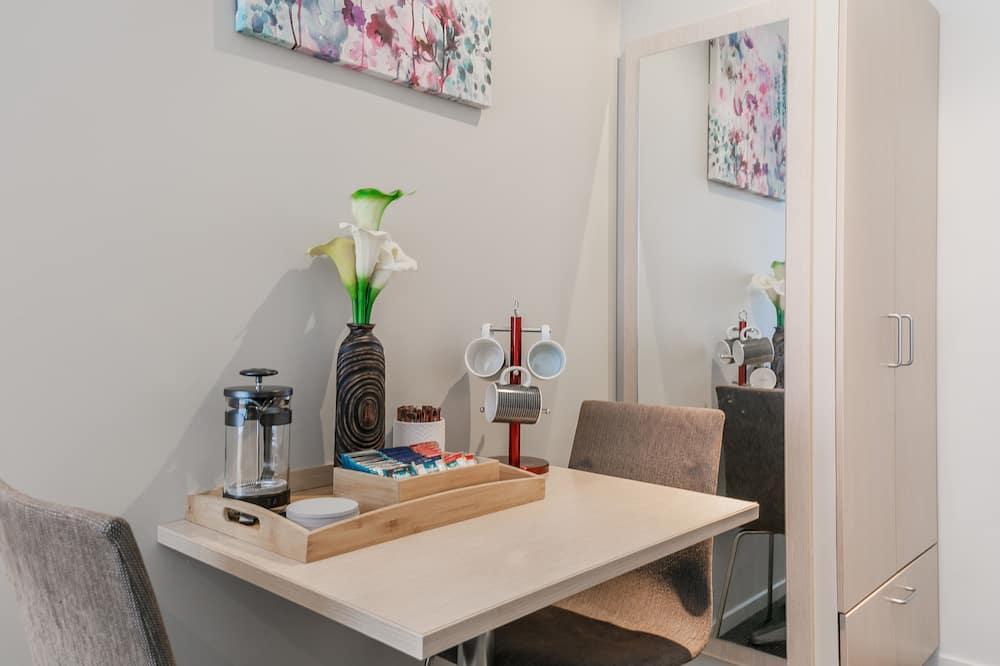 Lägenhet - 2 sovrum - Matservice på rummet