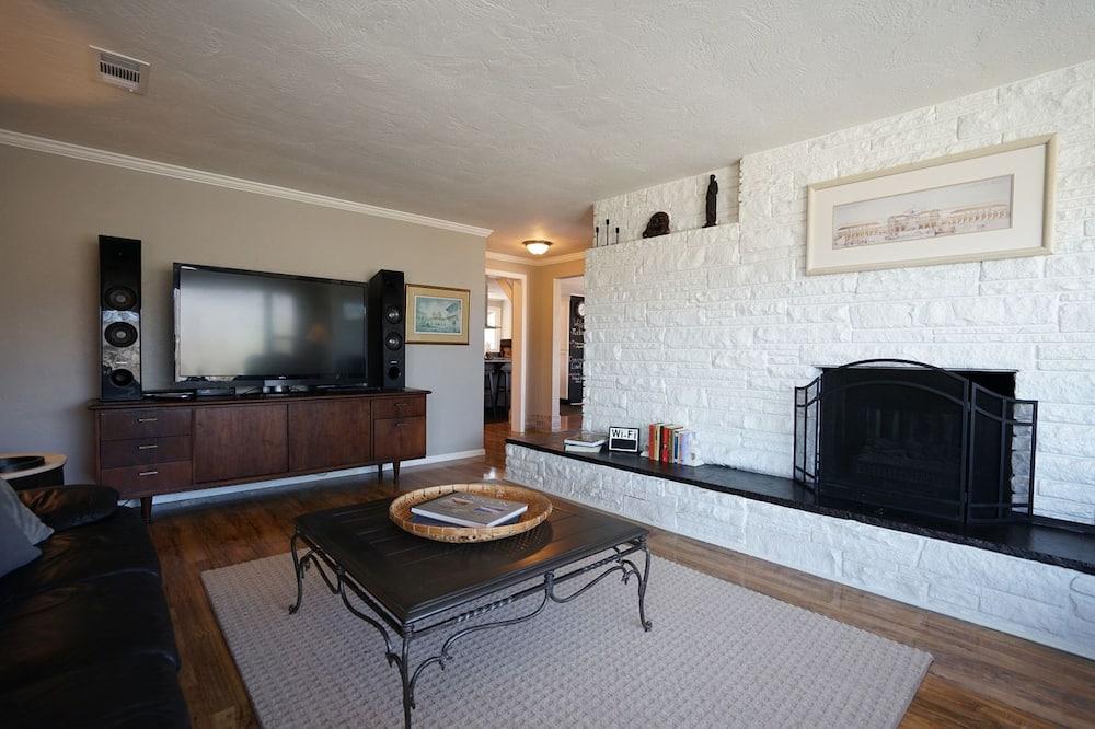 Vila (3 Bedrooms) - Ruang Keluarga