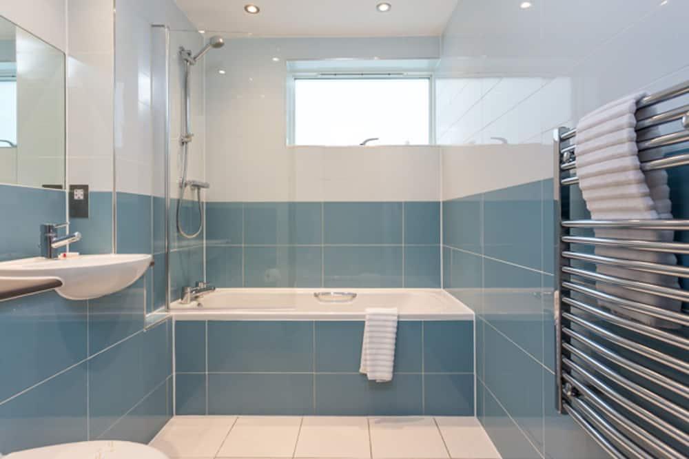 House (1 Bedroom) - Bathroom