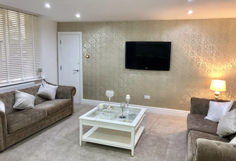 Domaine apartments, Liverpool, Deluxe Duplex, Living Area