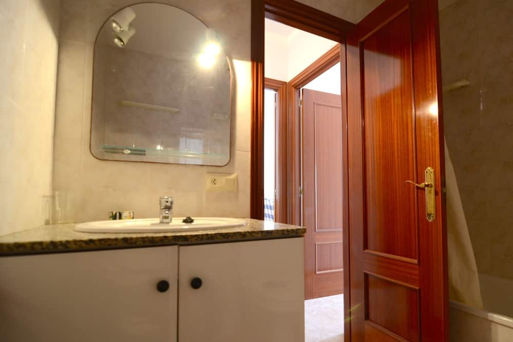 Apartmán, 2 spálne (7) - Kúpeľňa
