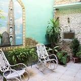Comfort Triple Room, Berbilang Katil, Courtyard View - Bilik Tamu