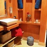 Comfort Σπίτι, 3 Υπνοδωμάτια, Θέα στην Αυλή - Μπάνιο