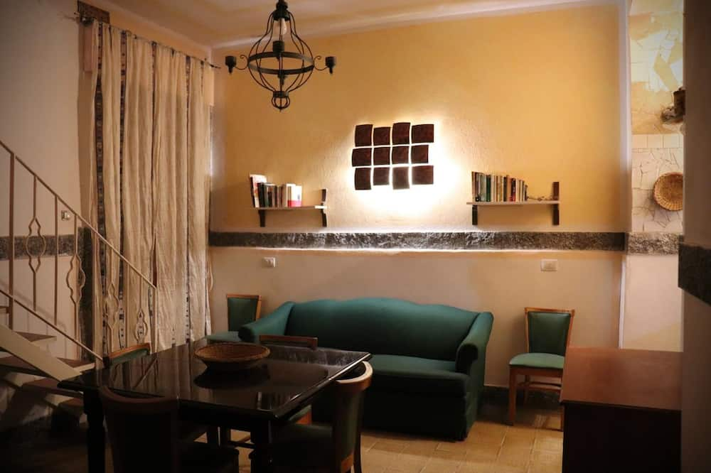 Superior Apartment, 2 Bedrooms, Balcony, Sea View - Living Area