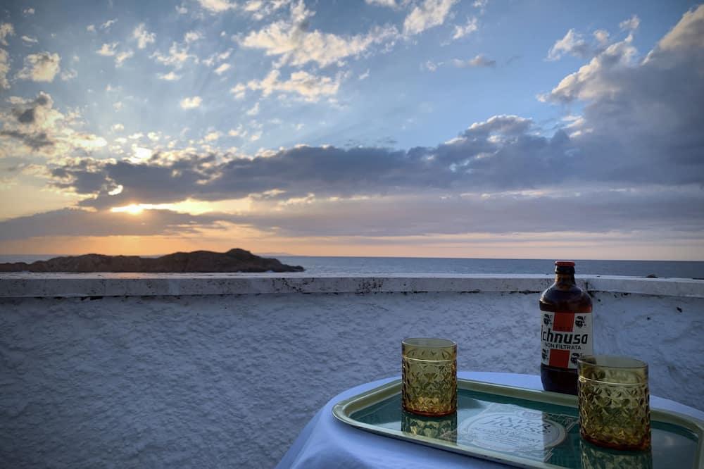 Panoramic Studio, Terrace, Sea View - Beach/Ocean View