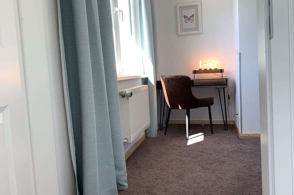 Apartamentai su patogumais, 1 labai didelė dvigulė lova ir sofa-lova - Svetainė