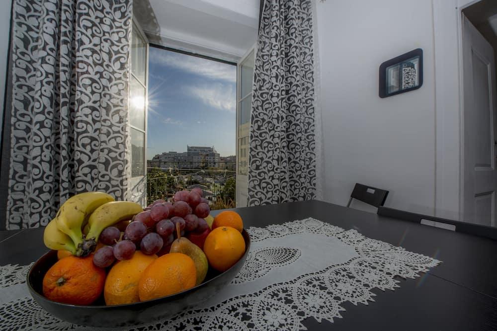 Huoneisto, 3 makuuhuonetta, Parveke - Ruokailu omassa huoneessa