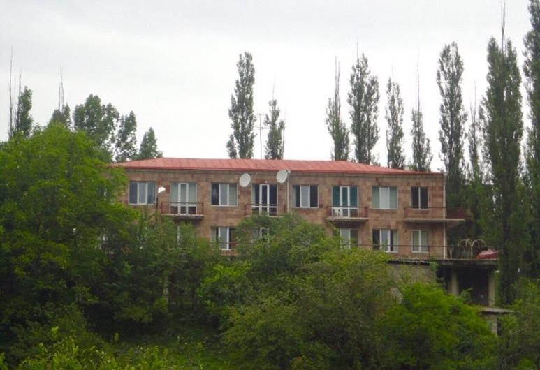 Hayq Hotel Dilijan, Dilijan, Hotellin julkisivu