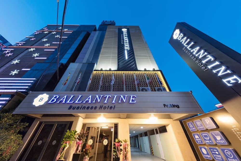 Ballantine Business Hotel
