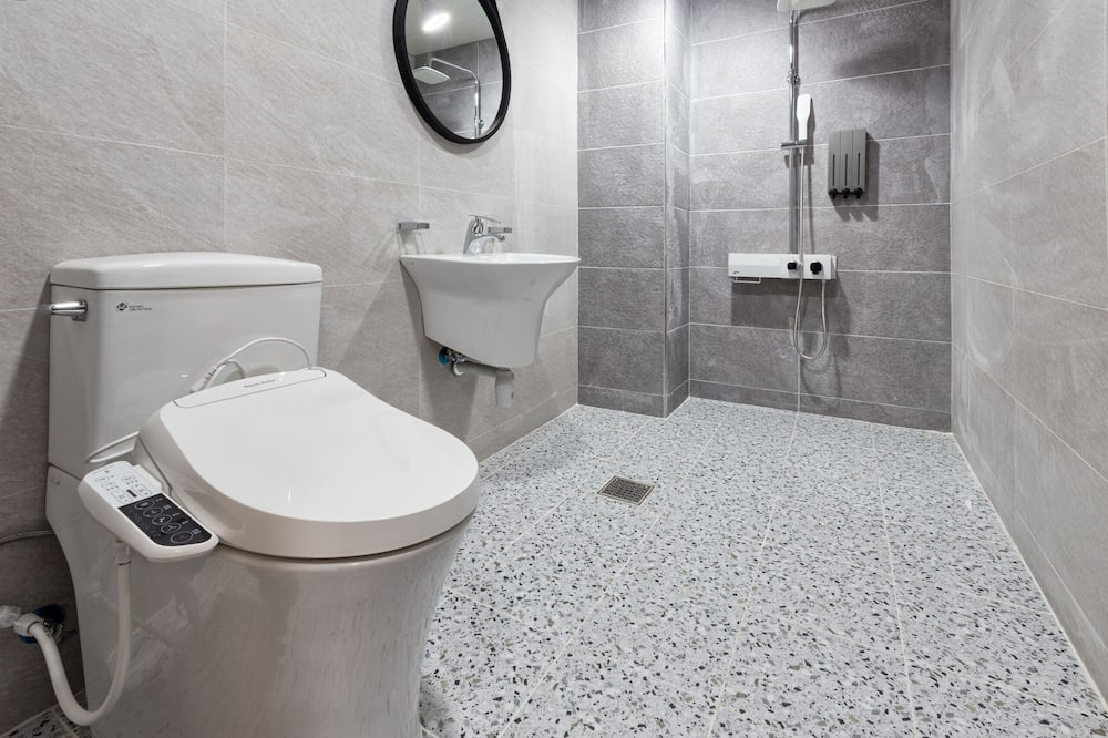 Superior Twin Room (Styler Included) - Bathroom