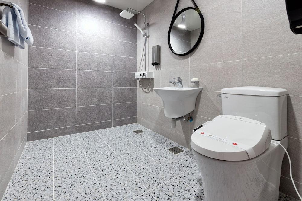 Deluxe Twin Room (Styler Included) - Bathroom