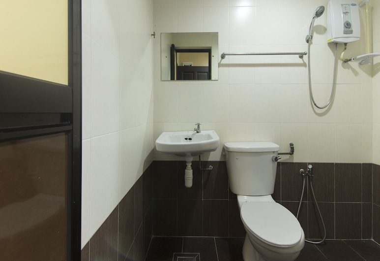 OYO 874 Ferringhi Inn Hotel, George Town