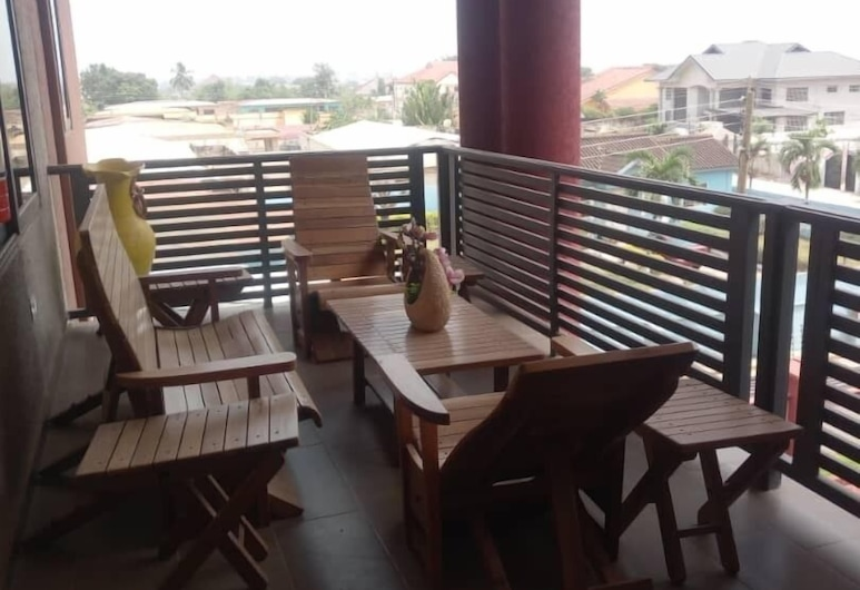 Alpha's Court, Kumasi, Executive-Apartment, 3Schlafzimmer, Terrasse/Patio