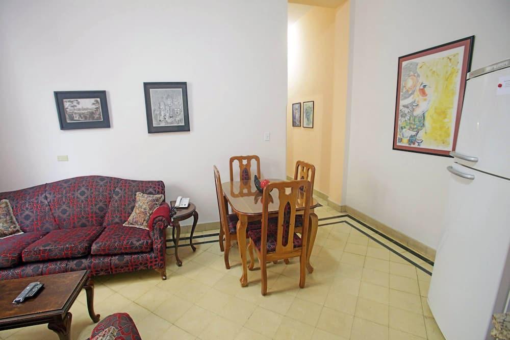패밀리 아파트, 침대(여러 개) - 거실 공간
