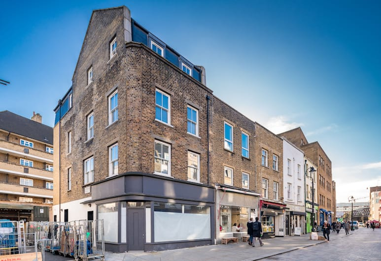 OYO Home Waterloo Executive 1, London