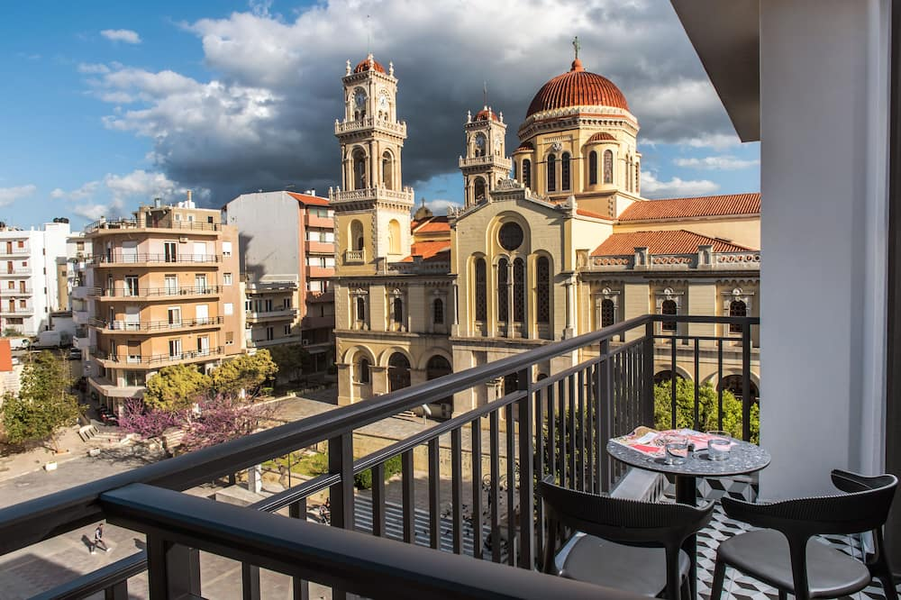 Superior Connecting Rooms with Balcony and City View - Vistas al balcón