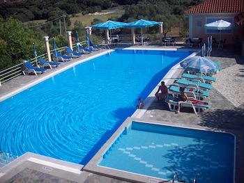 Picture of Ionis Hotel in Kefalonia