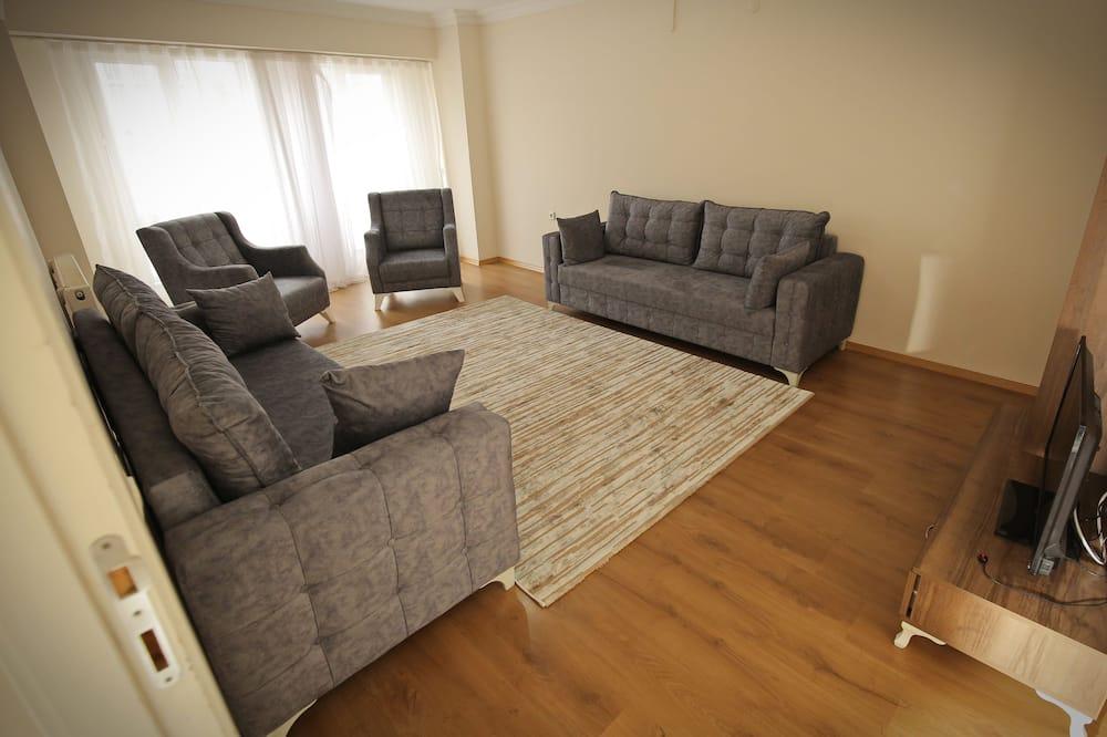 Junior Suite, 2 Bedrooms - Living Area
