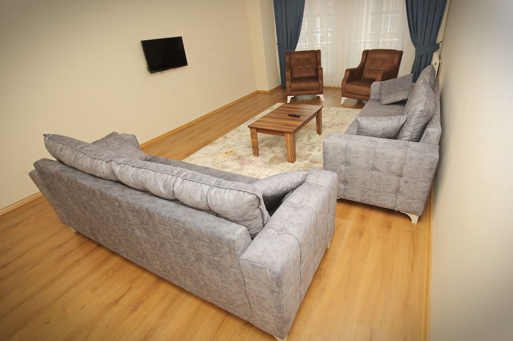 Family Suite, 2 Bedrooms - Living Area