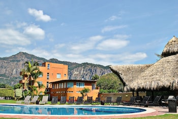 Enter your dates for special Tepoztlan last minute prices
