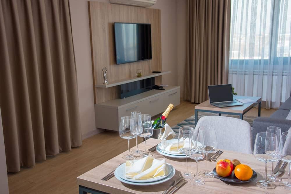 Apartamento estándar, 1 cama de matrimonio grande con sofá cama, no fumadores (with Sofabed) - Comida en la habitación