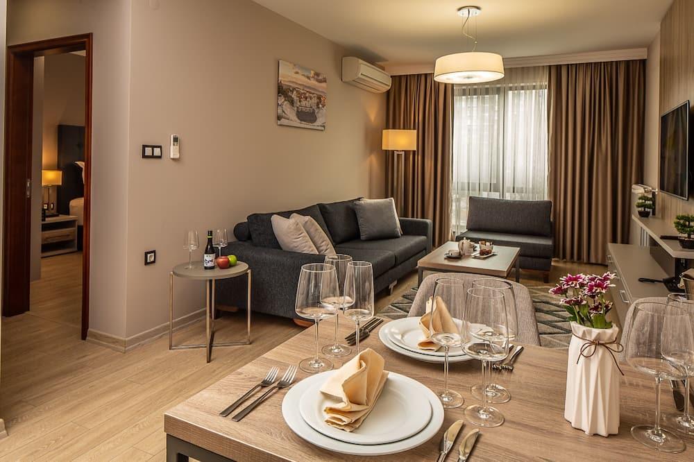 Suite, 1 cama de matrimonio grande con sofá cama, no fumadores, cocina básica (with Sofabed) - Sala de estar