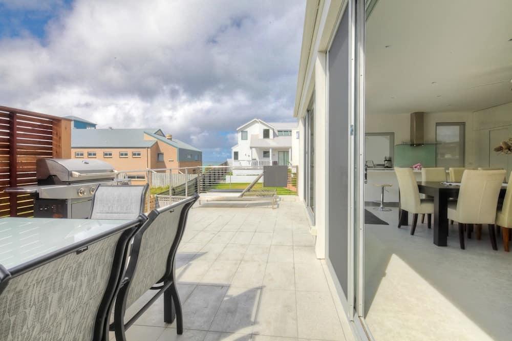 Apartment, 5 Bedrooms - Balcony