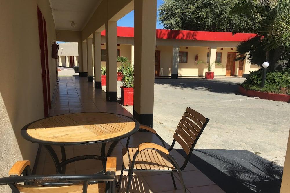Tshesebe Stopover Motel