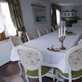Villa, Multiple Beds, Vineyard View - In-Room Dining