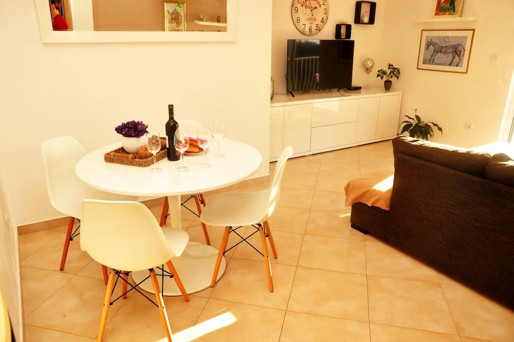 舒适公寓, 海景 - 客房送餐
